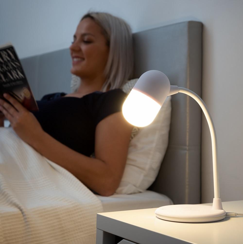 AKALAMP lampe med højttaler og trådløs oplader